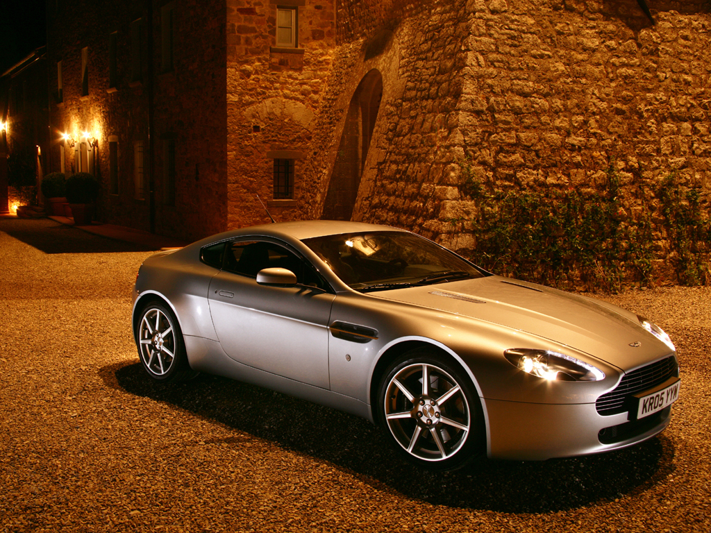 2013 Aston Martin V8 Vantage Coupe Wallpapers