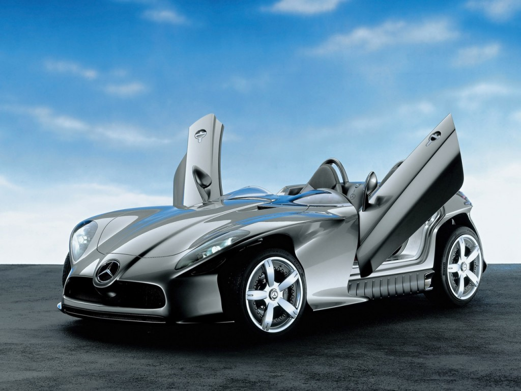 2013 Mercedes Benz F 400 Concept Wallpaper