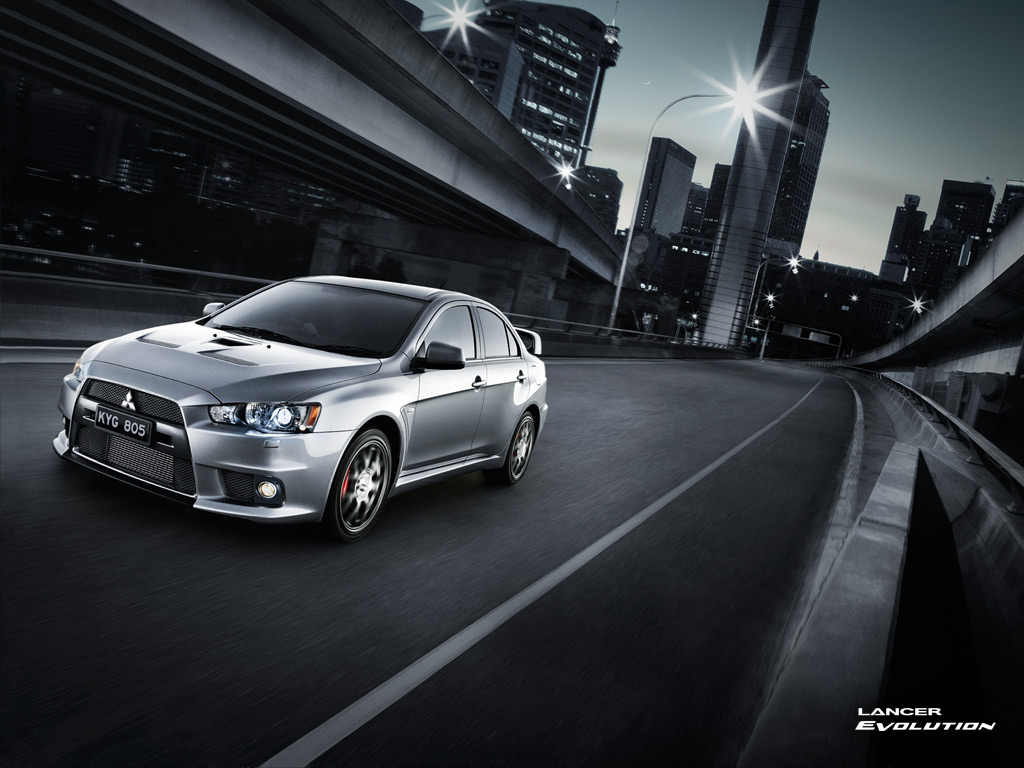 2013 Silver Mitsubishi Lancer Evo X Wallpaper