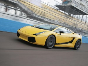 Lamborghini Gallardo On Road Wallpapers