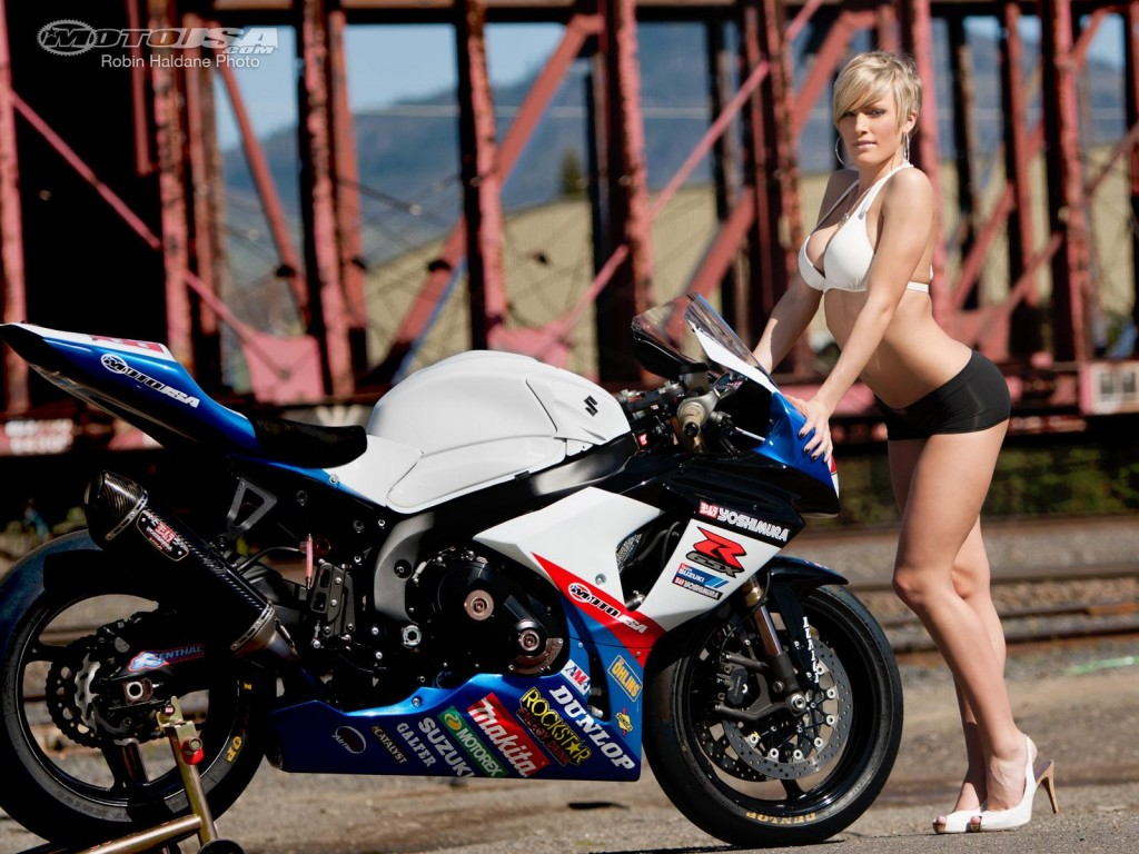 download Pinup Mindy And Bike HD Wallpapers